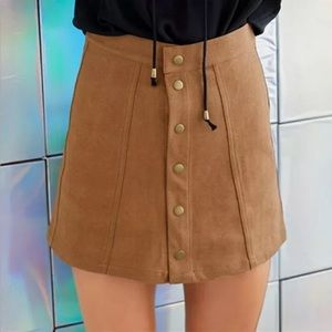 🎉High Waisted Front Button Skirt!